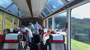 גלויה שווייצרית-הגליישר אקספרס: 360 מעלות של נוף חלומי