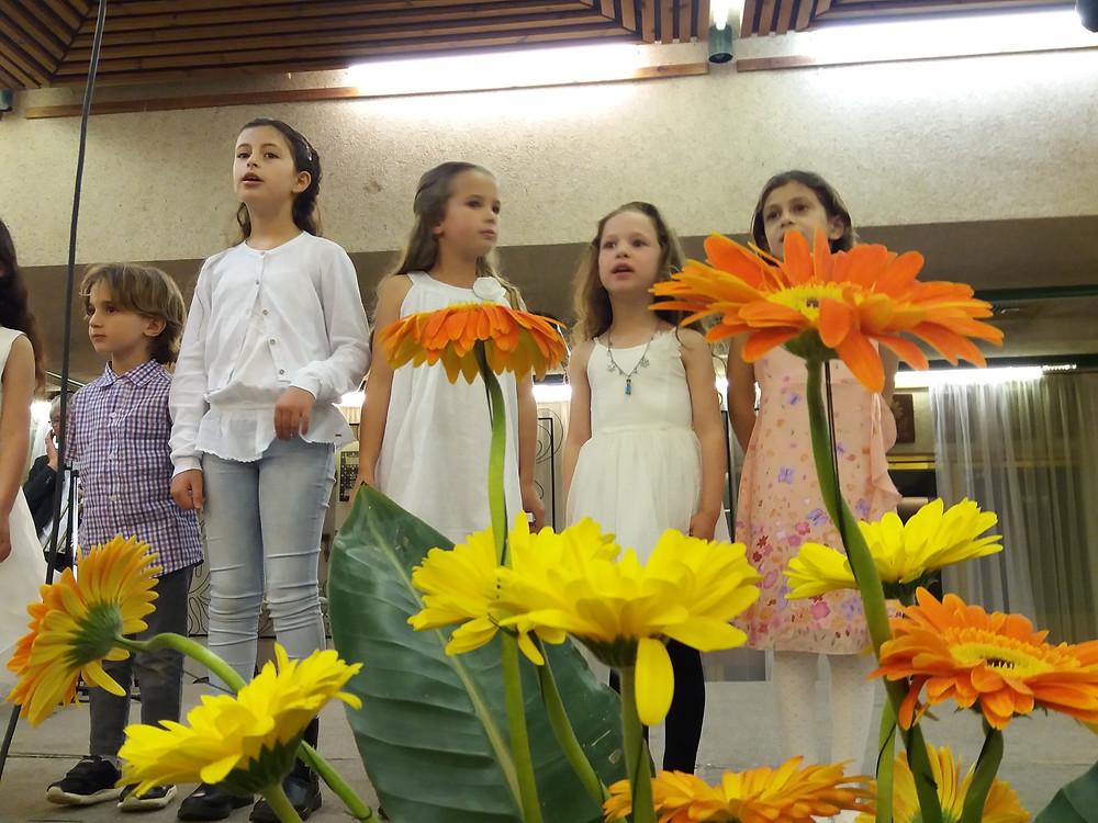 שרים את ההגדה-צלמה גילי מצא
