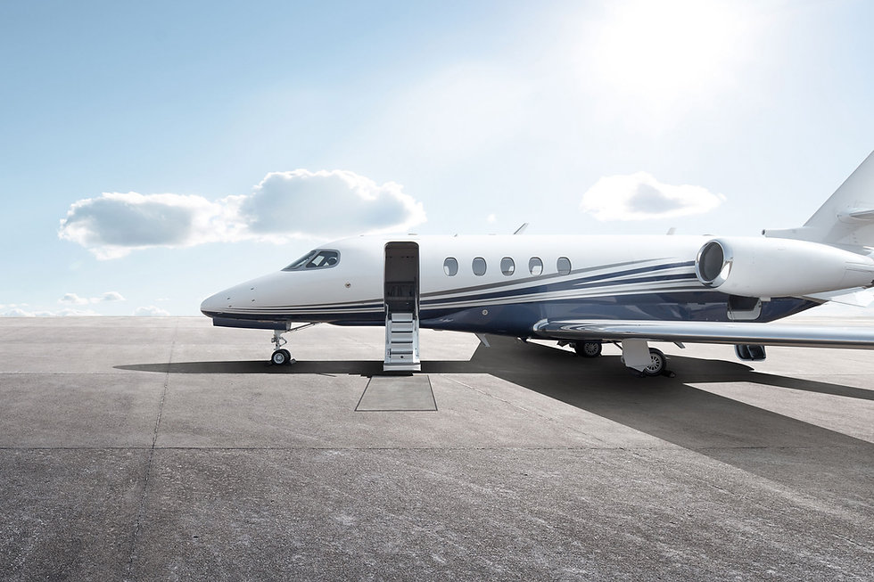 header-general-private-jet-on-tarmac-BES