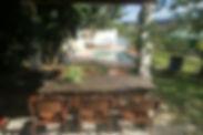 tafel in de tuin.jpg