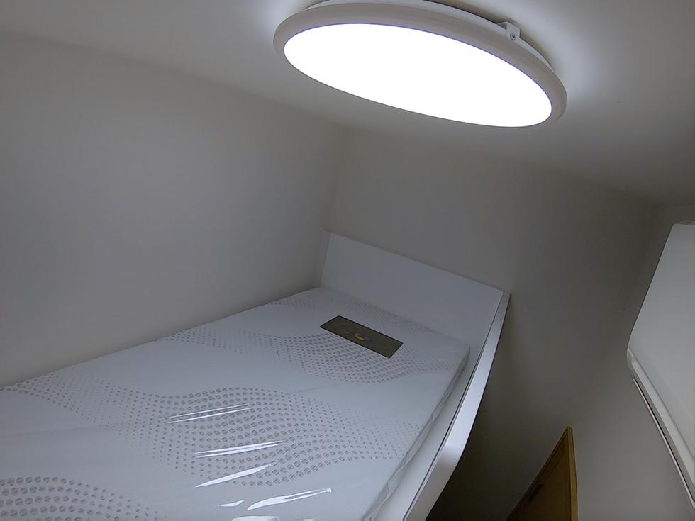 Worker Room 02.jpg