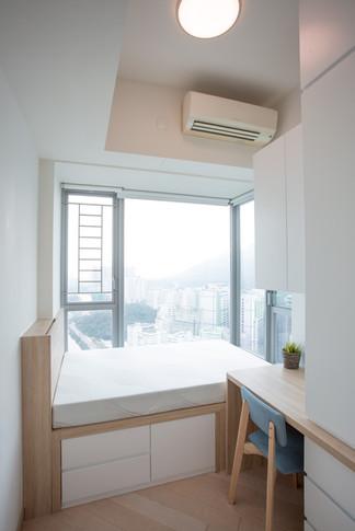 Mid Room 01.jpg