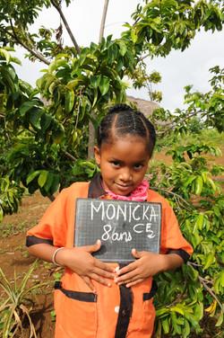 école financée par les dons