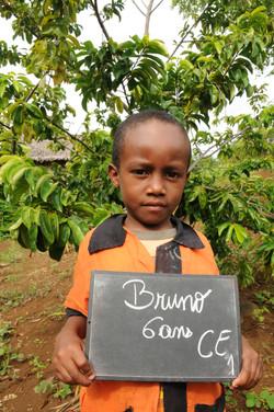 éducation + solidarité = avenir