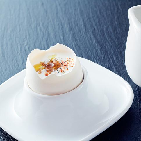 Huevo con crujiente de jamon