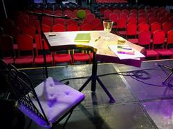 Lese-, Steh- und Bistro Tisch aus Walnuss