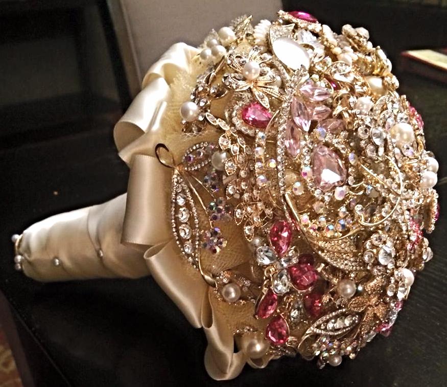 Golden & pink Brooch bouquet_edited