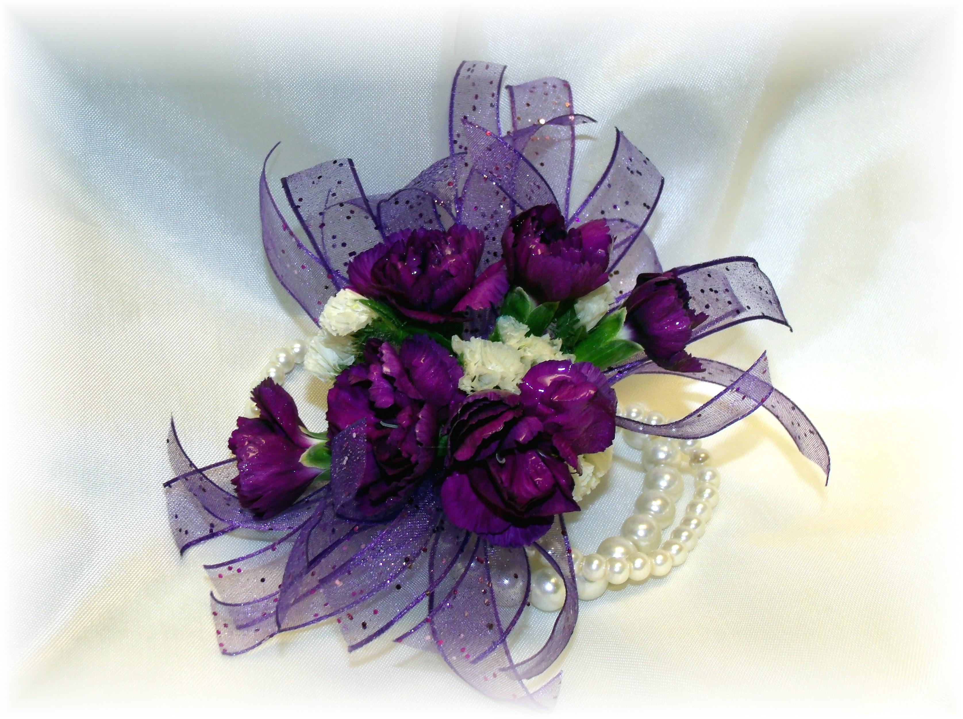 Mini Carnation wirstlet corsage