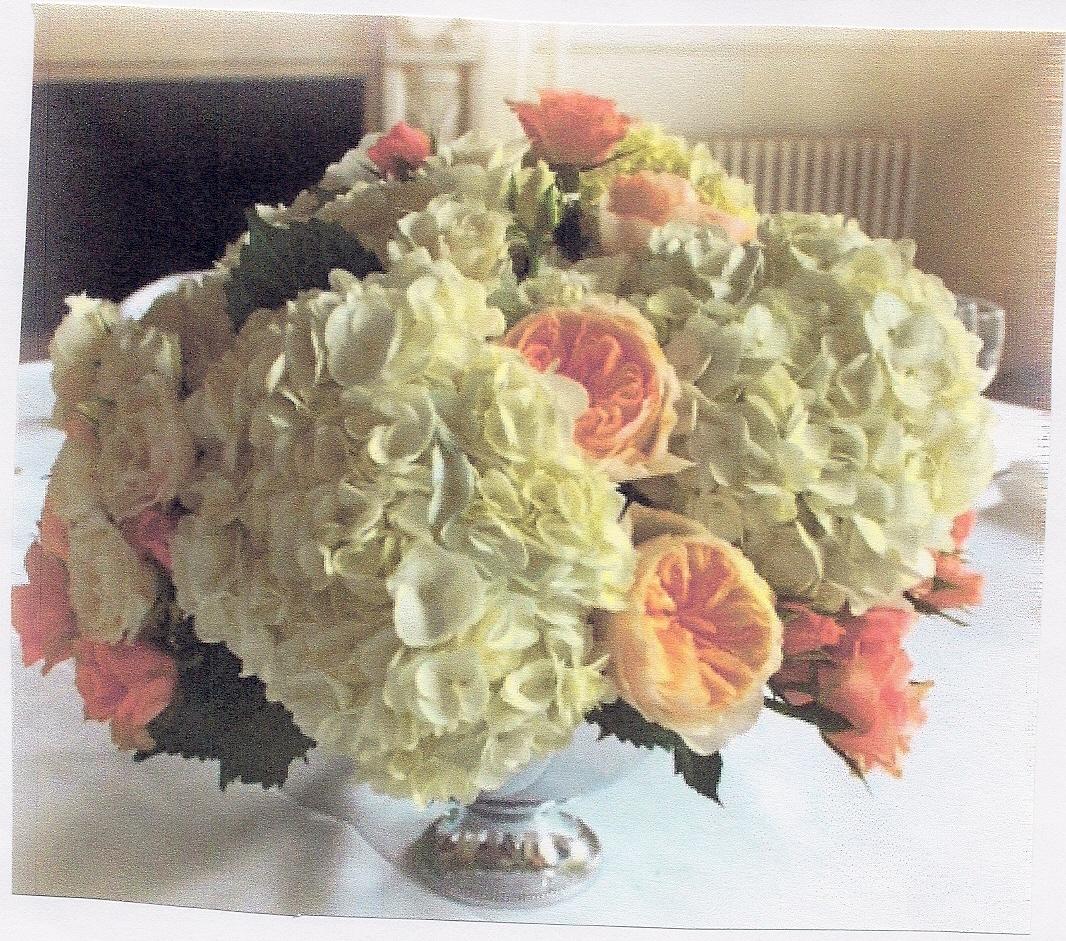 Classic hydrangea & Rose centerpiece