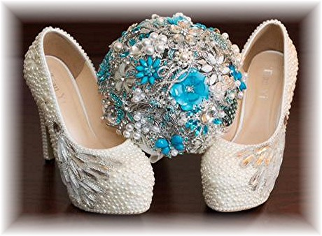 Brooch bouquet with Blue