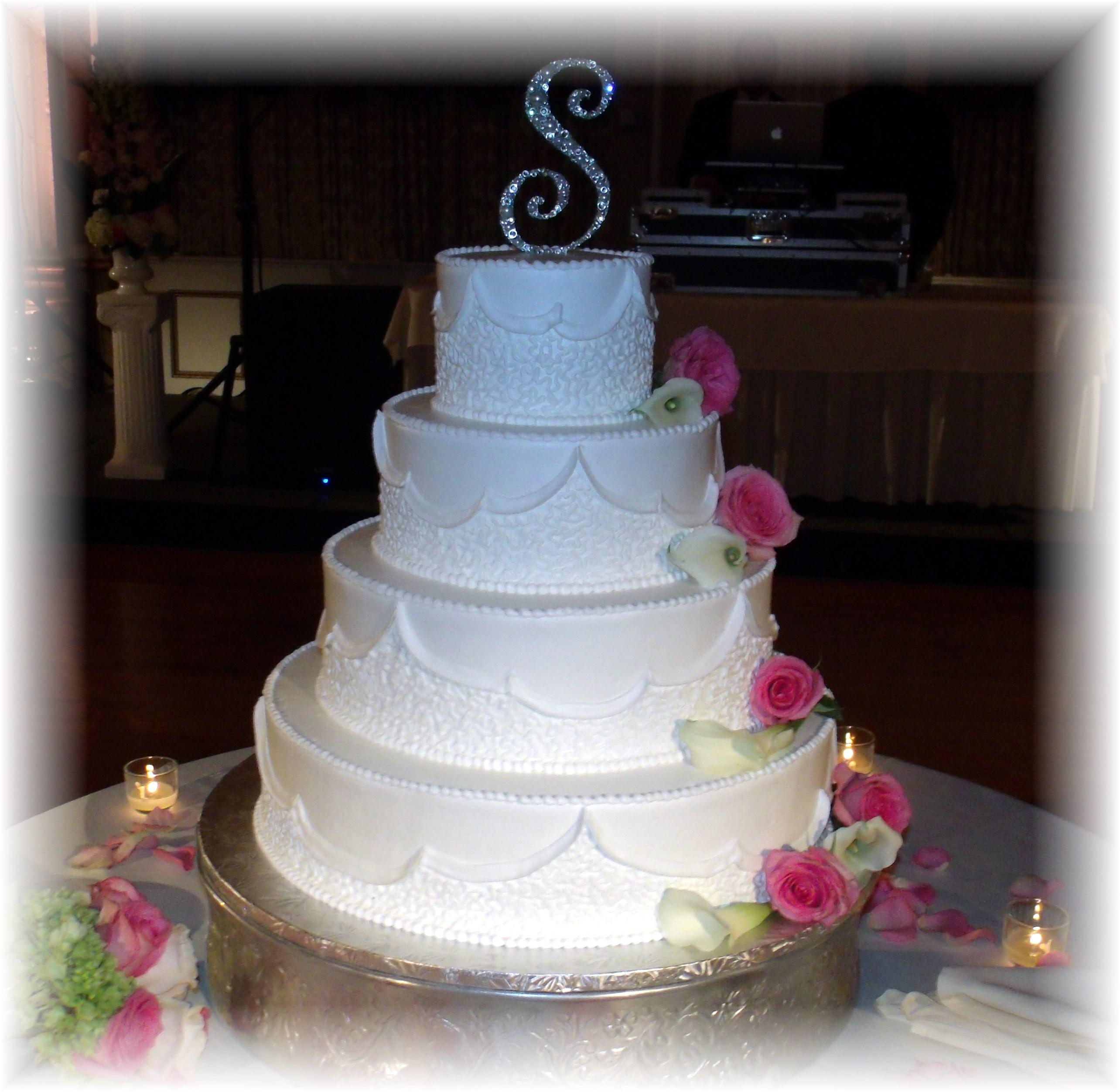 Rose & Calla lily Wedding cake
