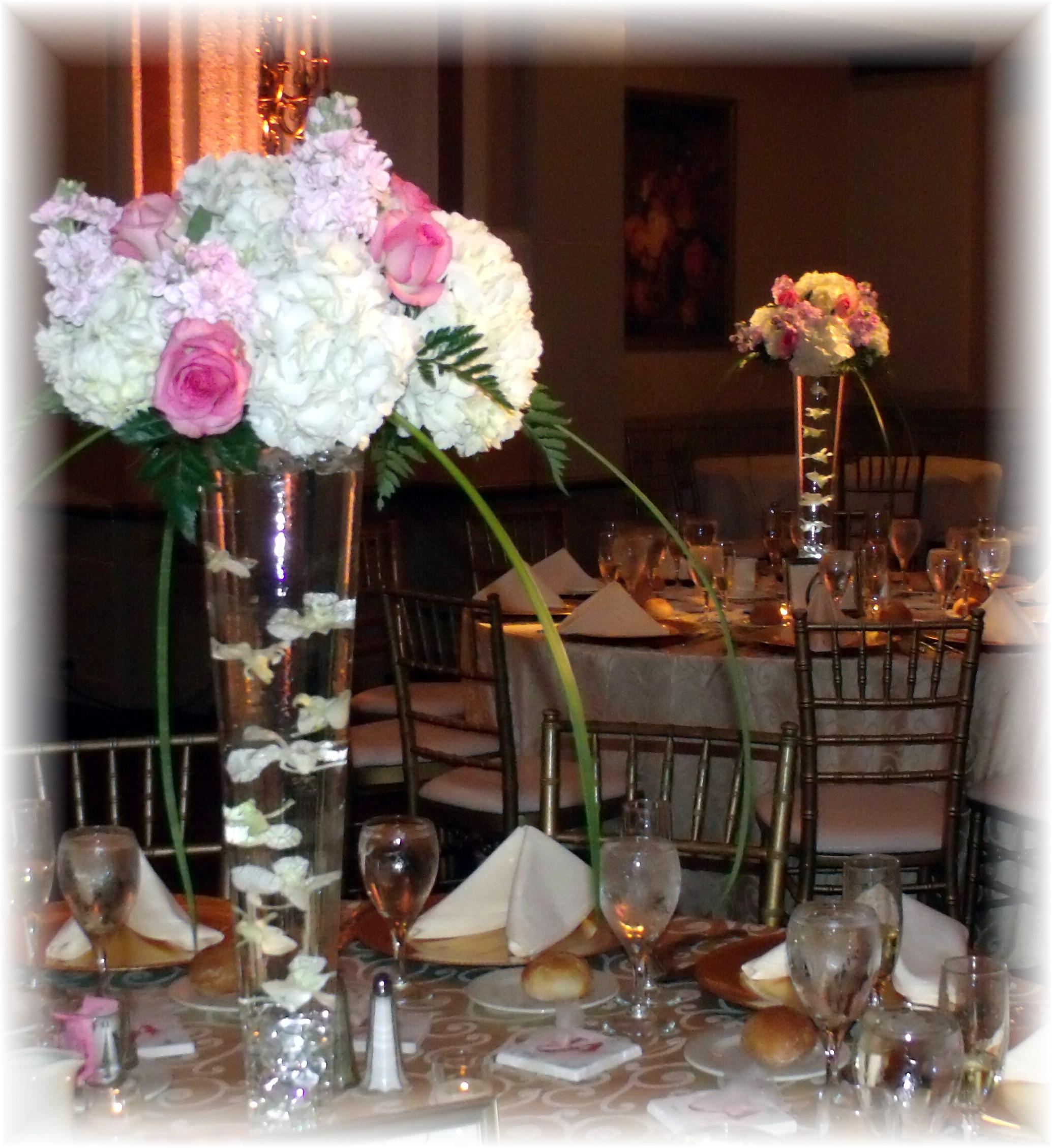 White hydrangea pink rose centerpiec