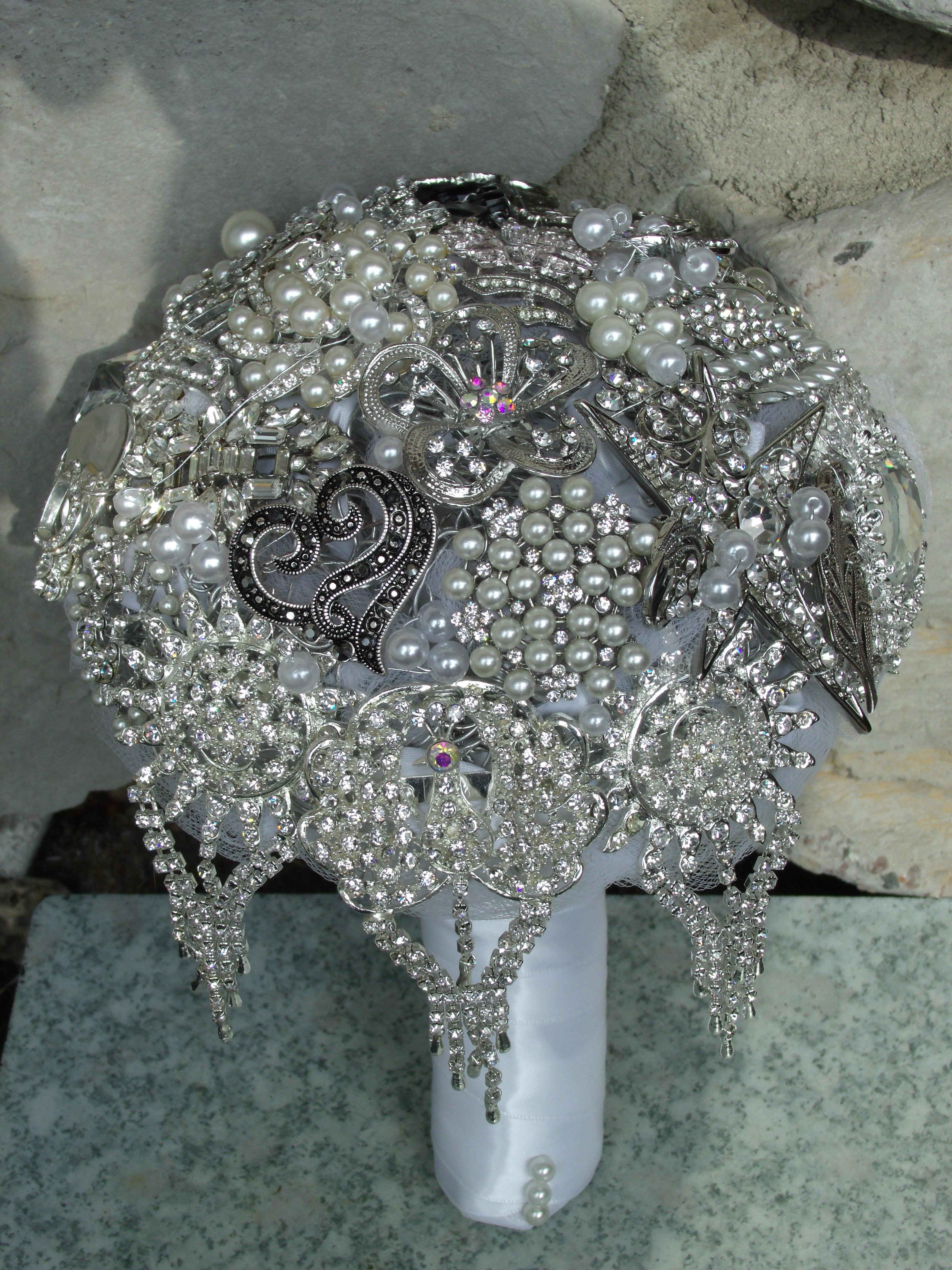 Classic Silver & Black brooch bouque