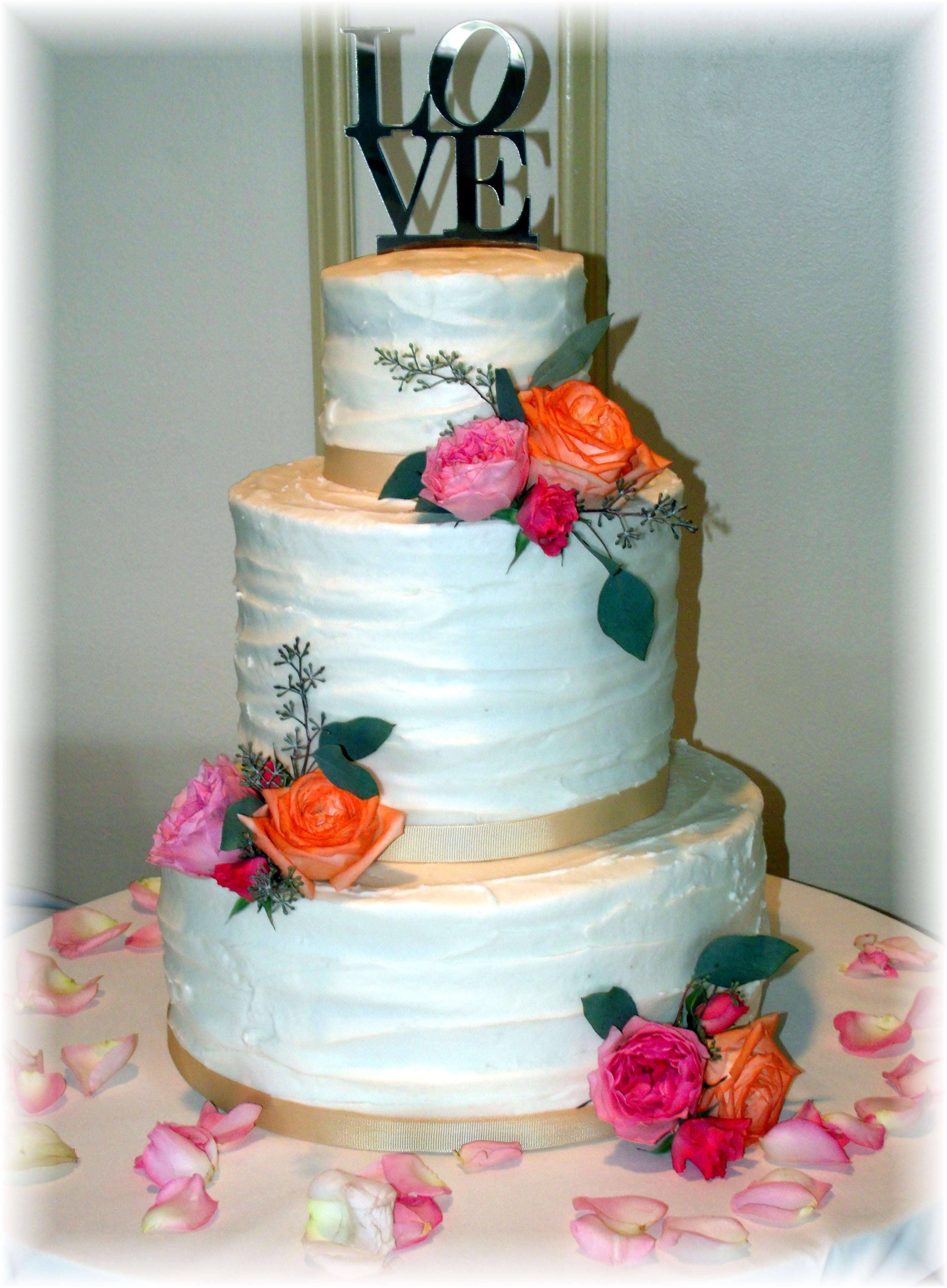 Garden rose wedding cake