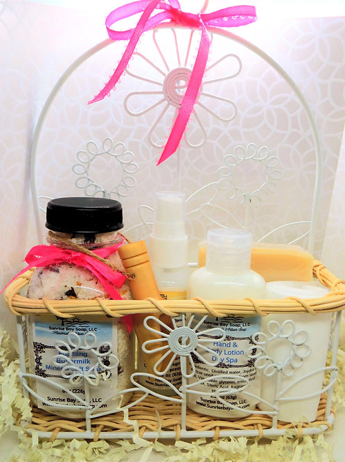 Wire and Wicker Day Spa Gift Set