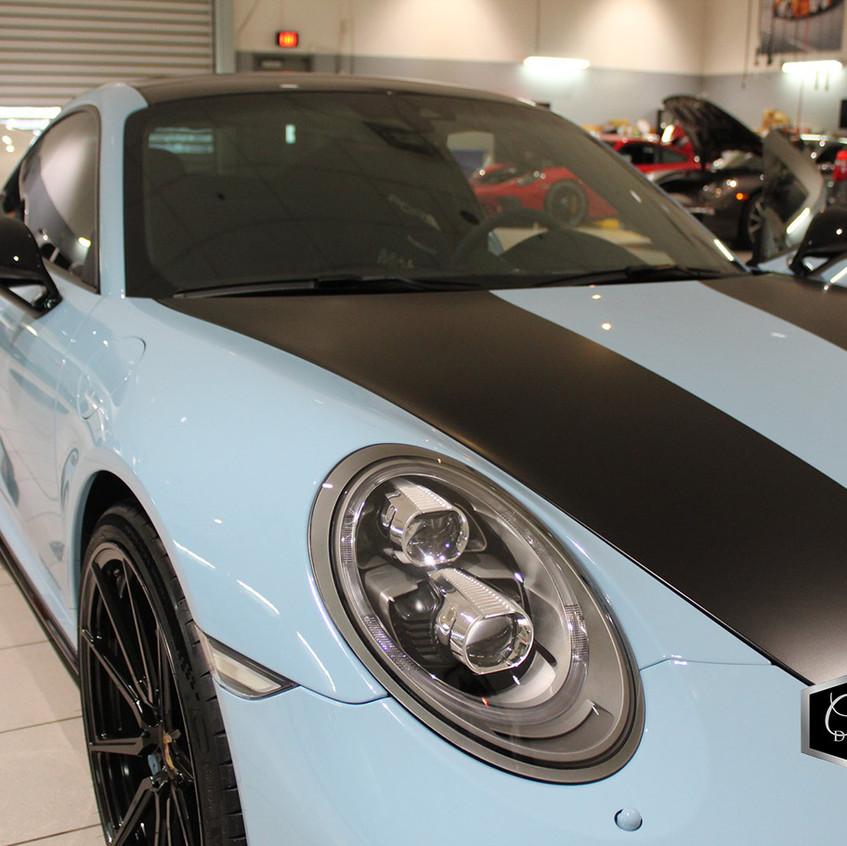 Blue Porsche 03
