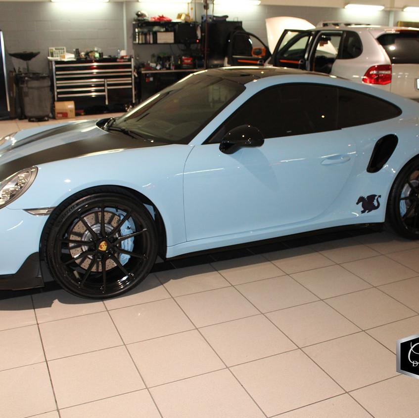 Blue Porsche 01