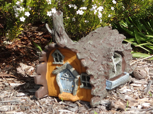 Fiddlehead Fairy Garden Log Cottage with opening door