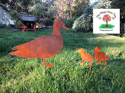 Rusty Metal Duck Family Silhouette Stake