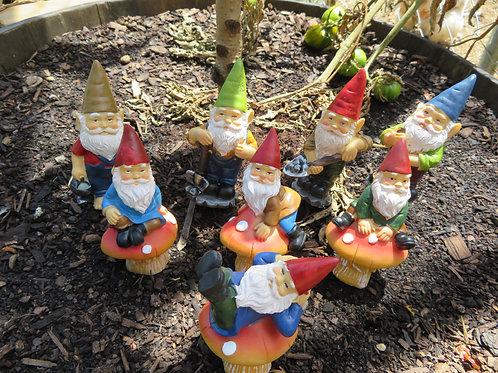 12cm garden gnome stakes