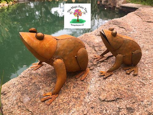 Rusty Metal Frog Garden Statue