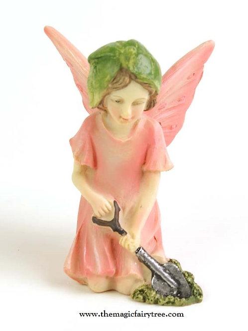 Fiddlehead pink kneeling fairy