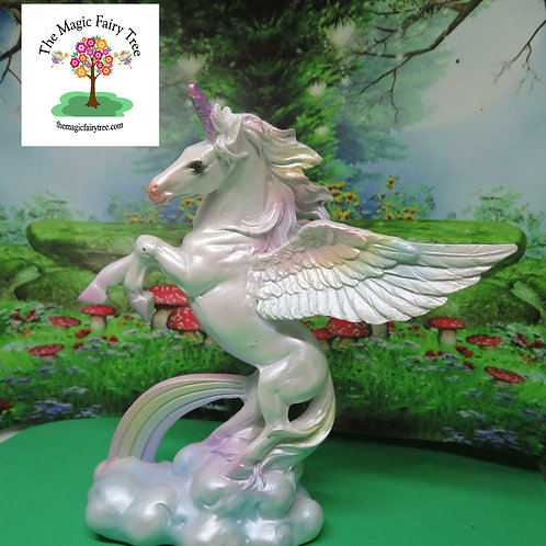 12cm flying unicorn figurine