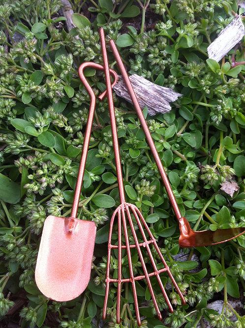 Fiddlehead gardening tools