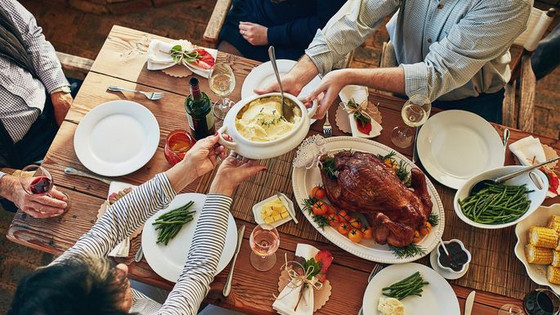 How to Host a Huge Thanksgiving in a Small Space
