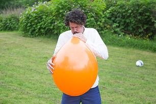 midsommarlekar-ballongen.jpg