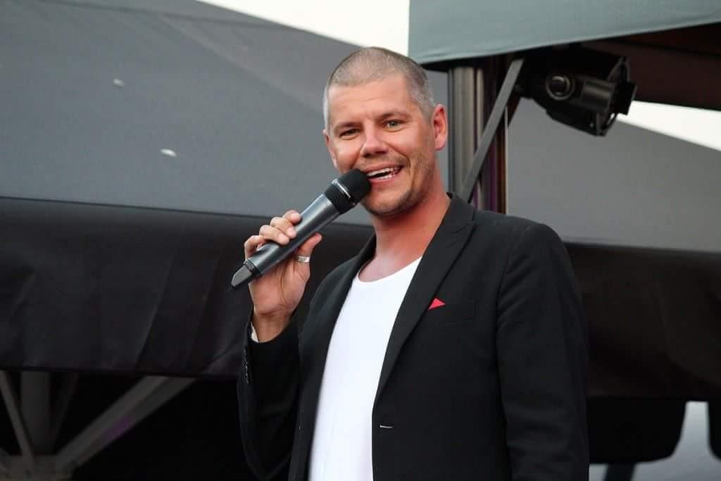 Jesper Hugosson brukar underhålla på Lasse Majas