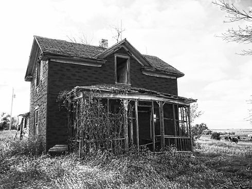 abandonedhomebw.jpg