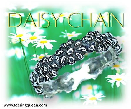 """Daisy Chain"""