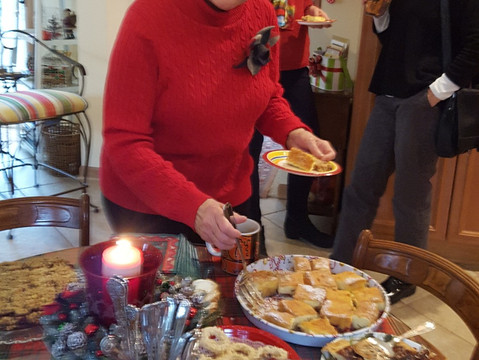 LWVOZ Celebrates the Holidays!