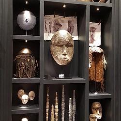 cabinet de curiosité exotique