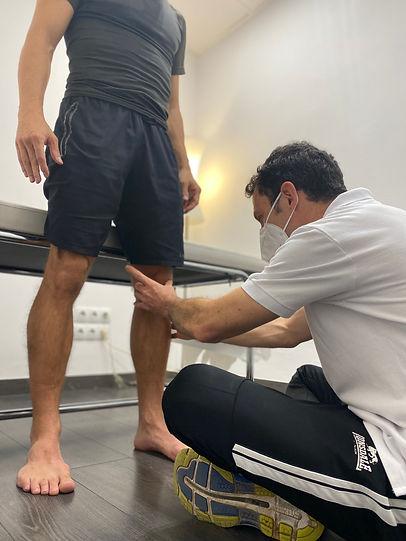 Knee standing.JPG