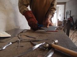 3 cortando chapas 501 x 375.JPG