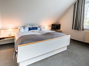 Hotel-Schiffer_DZ_Standard_edited.jpg