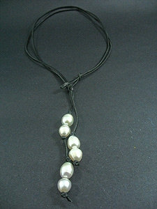 Lace Slip Knot with 6 White Fresh Water Pearl
