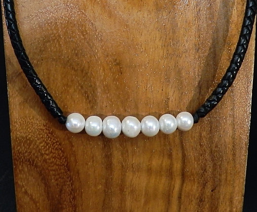 Necklace With 7 Round  Fresh Water Pearls