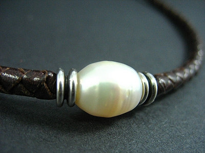 White Fresh Water Pearl Choker