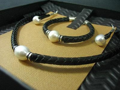 Necklace, Bracelet & Earrings Gift Set, Black