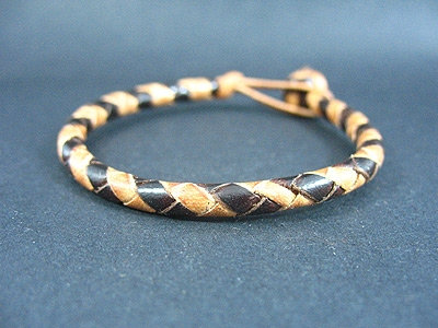 Bracelet with Turk's Head Knot