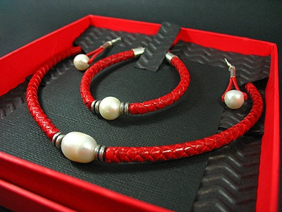 Necklace, Bracelet & Earrings Gift Set, Red