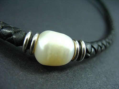 White Fresh Water Pearl Choker
