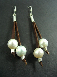 2 Lace Earrings with 2 White Fresh Water Pearl