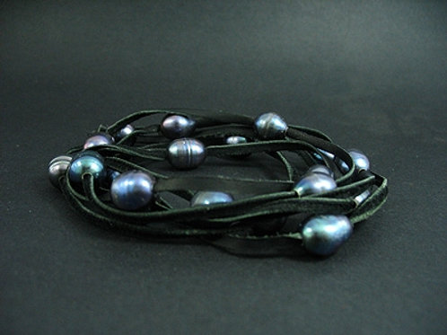 21 Black Fresh Water Pearl Necklace
