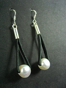 Lace Earrings with 1 White Fresh Water Pearl