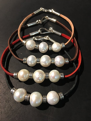Thin Bracelet with 3 Fresh Water Pearls