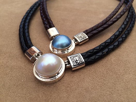 KANGAROO LEATHER NECKLACES WITH MABE PEARL